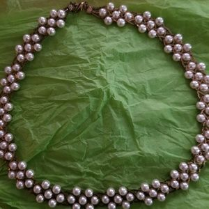 Jewelry - Gold and pearl necklace